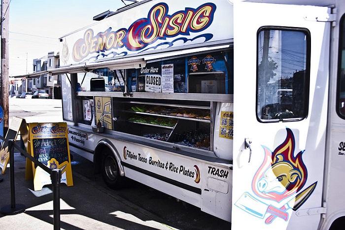800px-Senor_Sisig_Filipino_Fusion_Food_truck