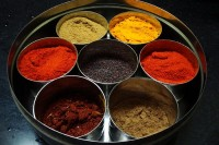 800px-Spices_in_an_Indian_kitchen