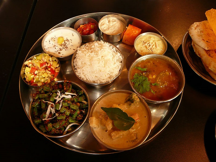 '0'_A_thali,_meal_served_in_India
