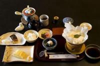 800px-Breakfast_at_Tamahan_Ryokan,_Kyoto