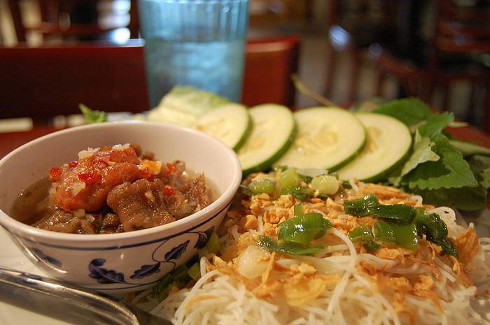 800px-bun_cha_vietnamese_food